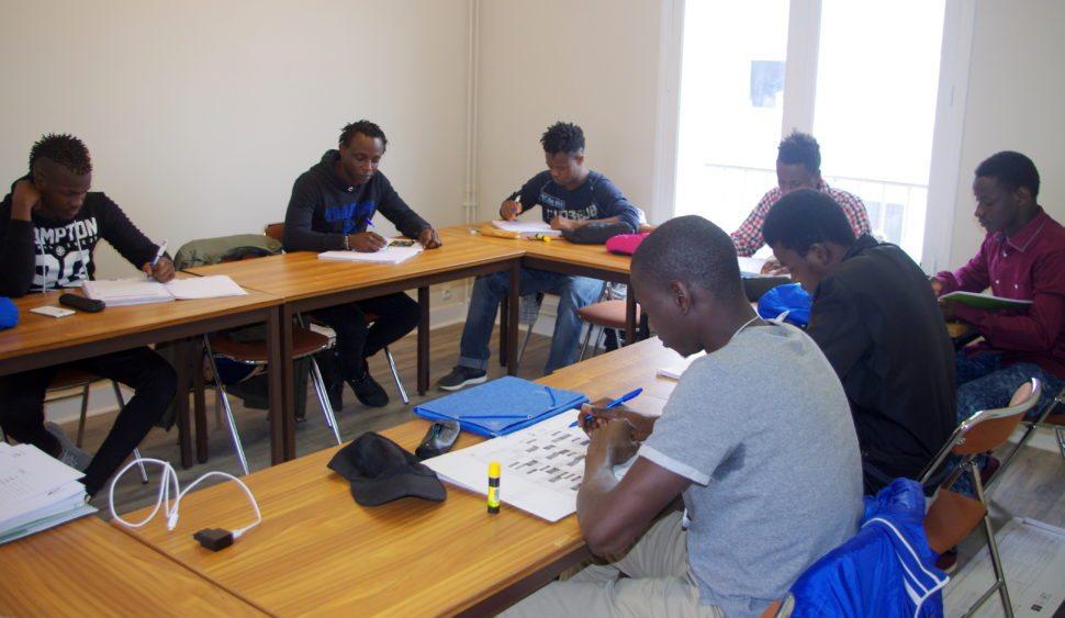 Le Centre de formation d′E&S dispense les ″savoirs de base″ à de jeunes étrangers