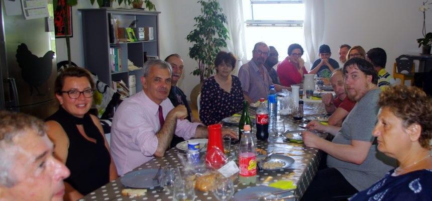 Le Maire de Tours reçu à la pension de famille
